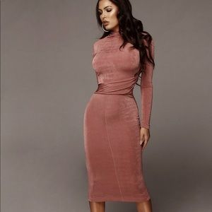 Mauve Overlay Ruched Dress